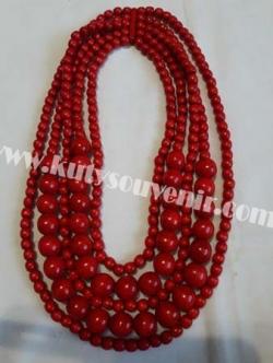 Ожерелье тройное красного цвета