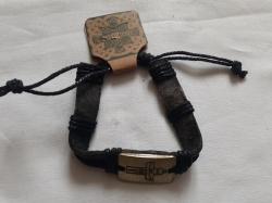 Мужской кожаный браслет c крестом