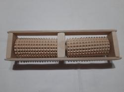 Массажер для ног деревянной на два ролика 27.5 см