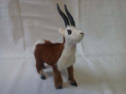 Коза игрушка в подарок малая