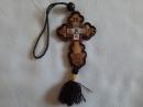 Деревянная подвеска из Исусом Крестом