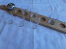 Доска с ручкой для подачи стаканов